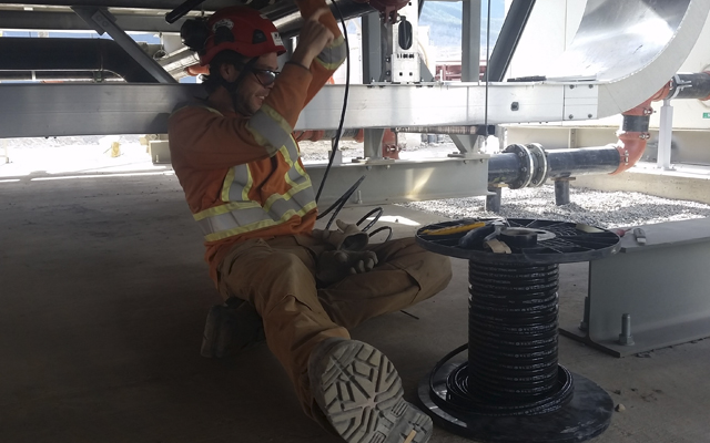 employee working electric contract